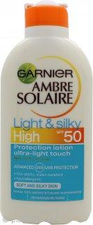Garnier Ambre Solaire Light & Silky Lozione Solare Protettiva 200ml SPF50